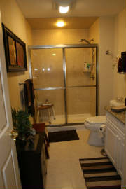 Construction/lott_townhouse_2nd_bath_resized.jpg
